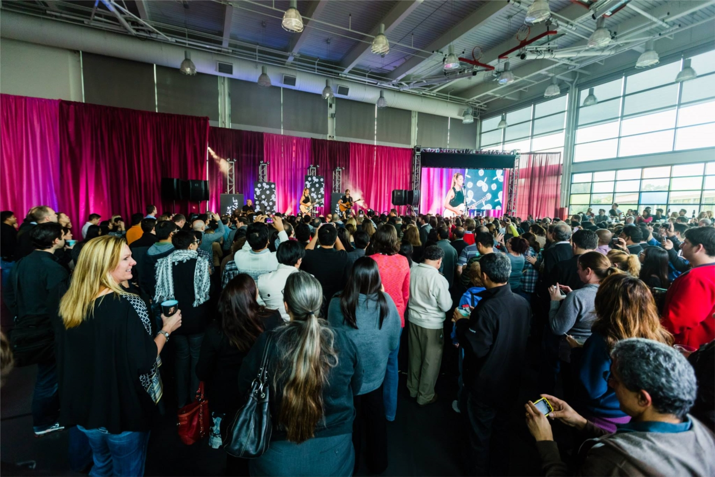Special concerts (this one featuring Colbie Caillat) are just one of the ways we show employee appreciation and enhance each person's experience at VMware.