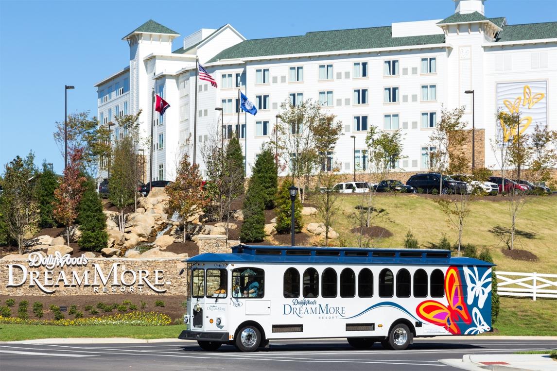 DMR_Lodging_Dollywoods DreamMore Resort- Resort Shuttle.jpg