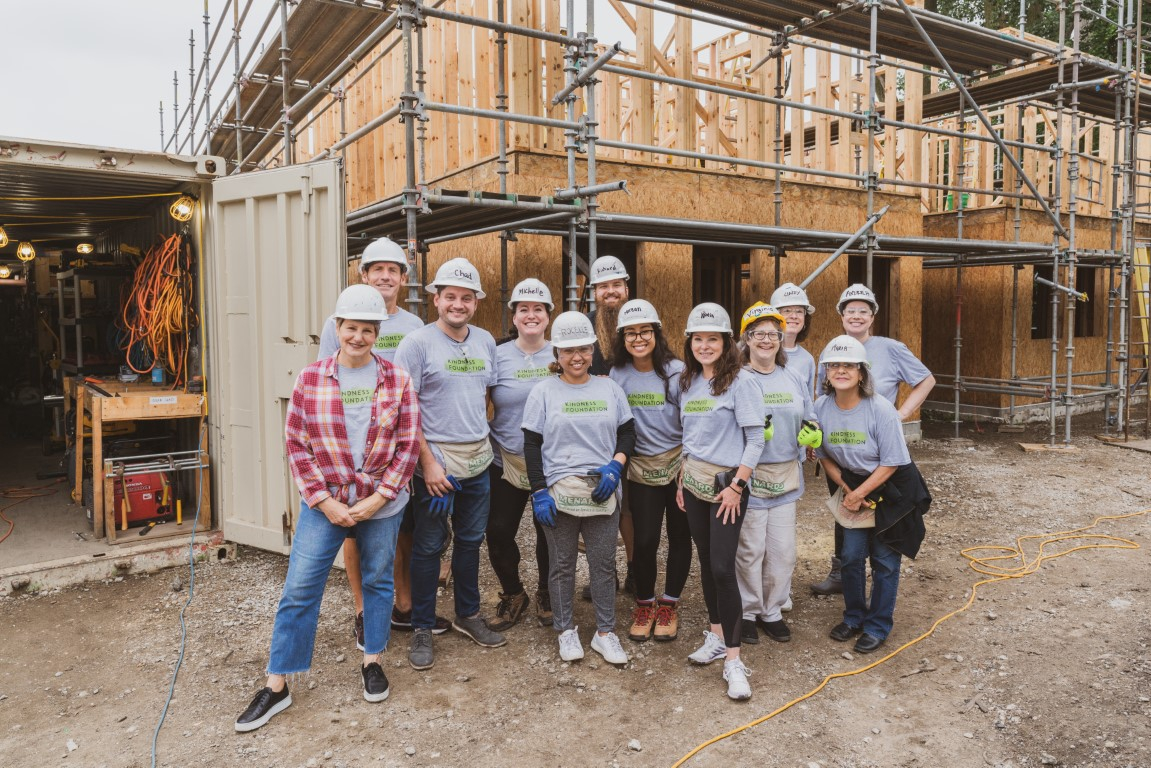 Lincoln Park Clybourn offers Community Kindness helping hands to Habitat for Humanity.