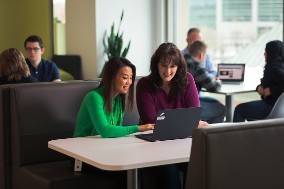 Fidelity associates collaborate in our Salt Lake City office.