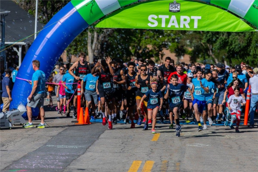 THE HUNTSMAN 5K IS A FAMILY-FRIENDLY FUNDRAISER FOR THE HUNTSMAN CANCER INSTITUTE. AS THE PRESENTING SPONSOR OF THE 2018 HUNTSMAN 5K, ZURIXX IS PROUD TO HAVE RAISED OVER $100,000 FOR CANCER RESEARCH!