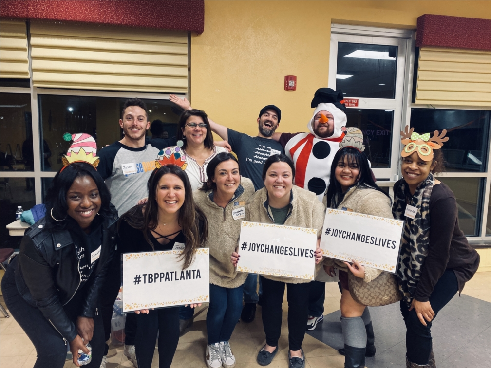 The LeaseQuery team has a blast volunteering with different organizations in Atlanta. Here we are celebrating December birthdays at My Sister's House with The Birthday Party Project!