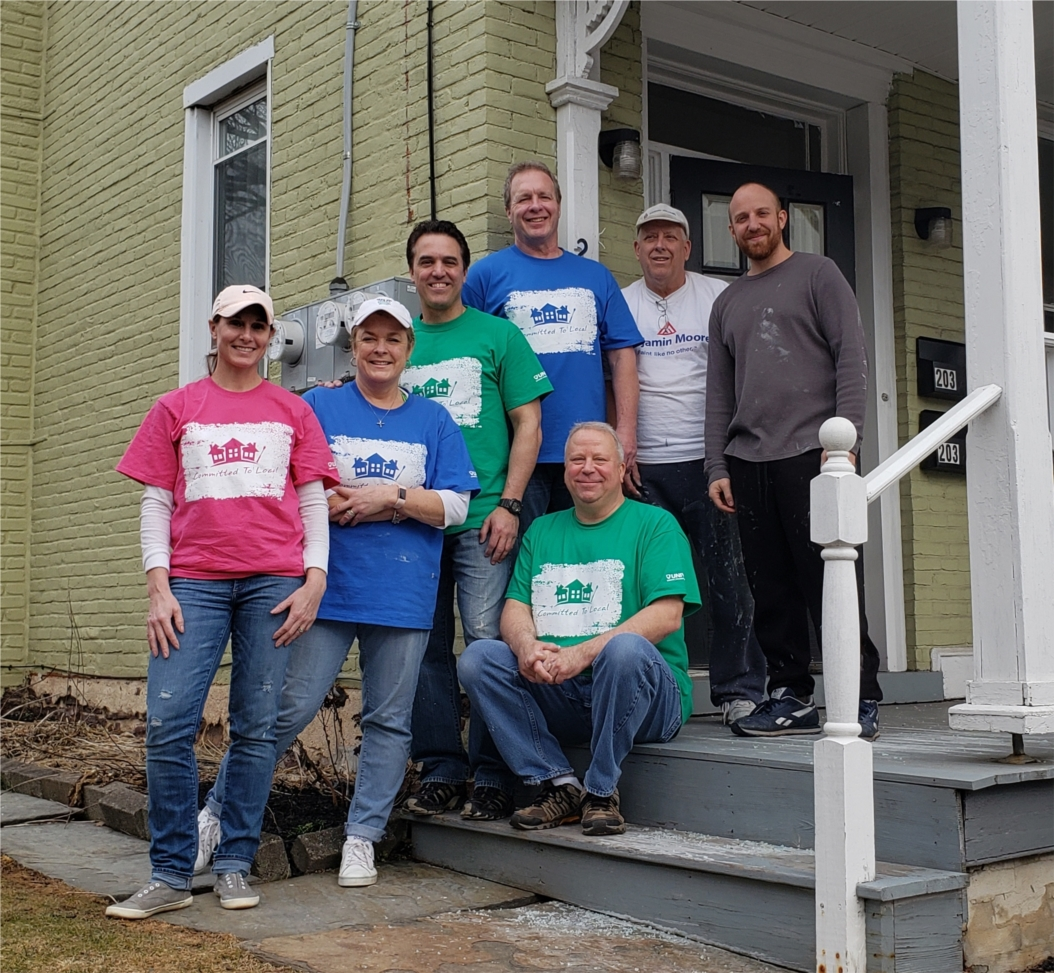 Univest is dedicated to giving back to the communities it serves. Each month it hosts Connecting with Community service projects for its employees to donate their time to local nonprofits.