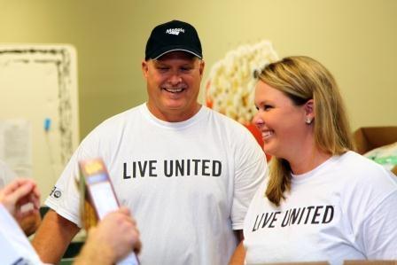 Mosaic employees volunteer at Feeding America Tampa Bay